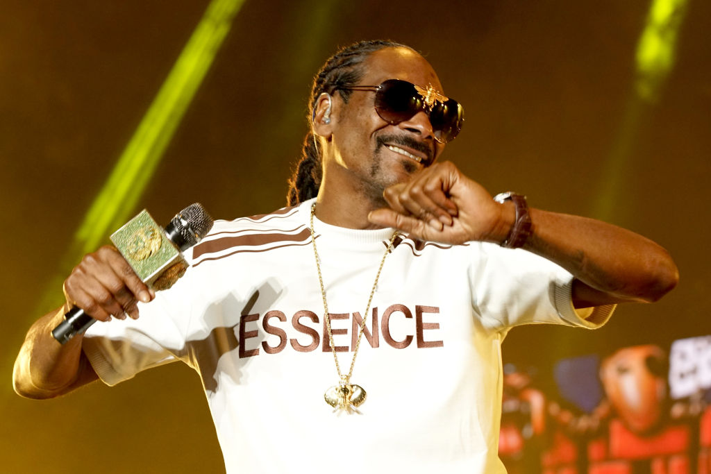 Snoop Dogg To Vote For The First Time In Bid To Unseat Donald Trump