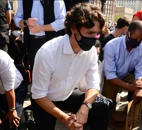 Canadian Prime Minister Took a Knee and Observed 8 Mins of Silence at Anti-racism Protest