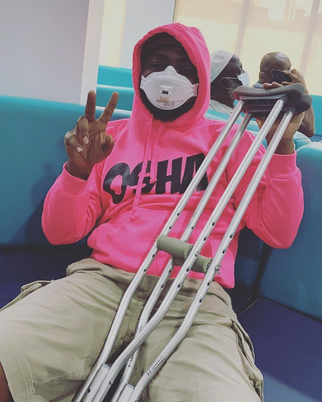 Davido confined to crutches after sustaining leg injury