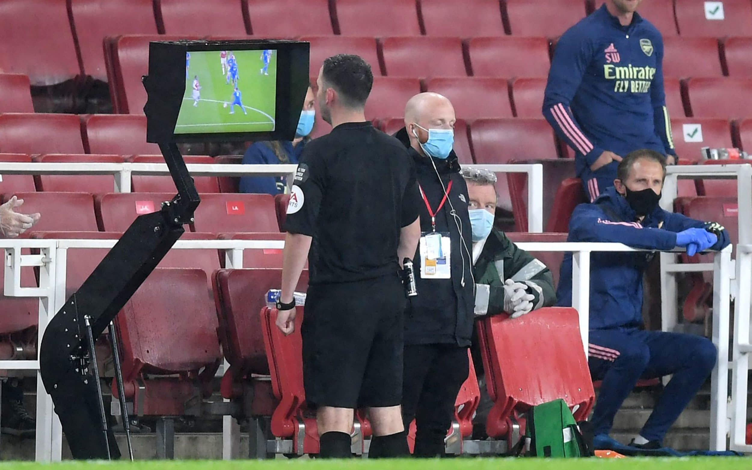 Premier League Clubs Voted To Use The Full FIFA VAR Protocol For The 2020/21 Season